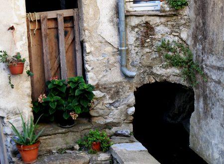 Olivetta San Michele (IM), Località Torre, Val Bevera: un passaggio coperto