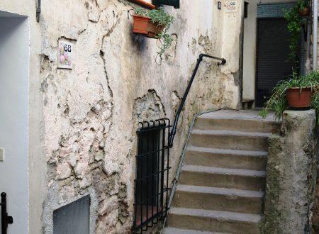 Vallecrosia (IM): un vicolo del centro storico