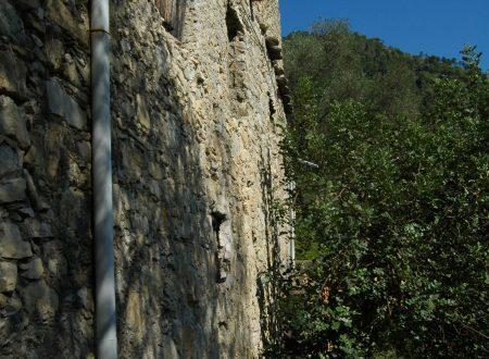 Fanghetto, Frazione di Olivetta San Michele (IM): un sentiero verso mezzogiorno